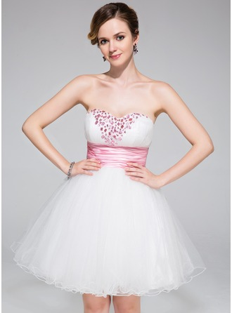 A-Line/Princess Sweetheart Short/Mini Tulle Homecoming Dress With Ruffle Sash Beading