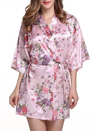 Brud Brudtärna charmeuse med Kort Blomsterrockar Kimono kläder