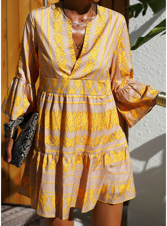 Print Shiftklänningar 3/4 ärmar Flare Ärm Mini Fritids Semester Tunika Modeklänningar