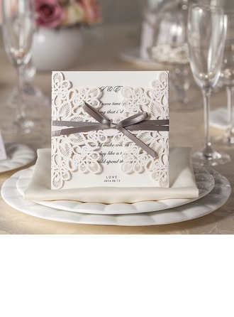 Blomstrete Stil Gate-Fold Invitasjonskort (Sett Av 50)