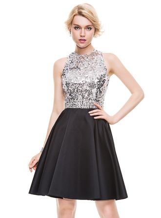 A-Line/Princess Scoop Neck Knee-Length Satin Homecoming Dress