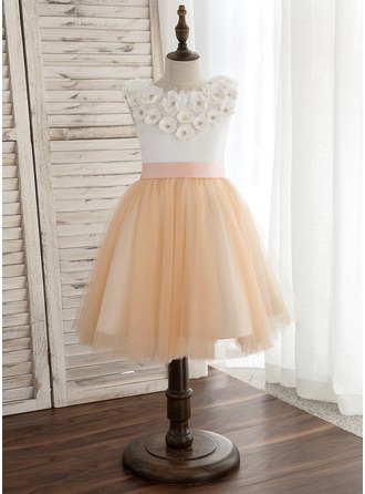 A-Line/Princess Knee-length Flower Girl Dress - Satin/Tulle Sleeveless Scoop Neck With Sash/Flower(s)/Bow(s)