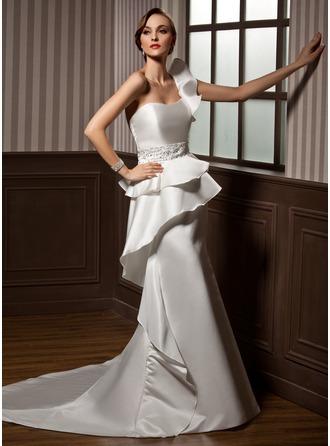 Corte trompeta/sirena Un sólo hombro Cola capilla Satén Vestido de novia con Bordado Cascada de volantes
