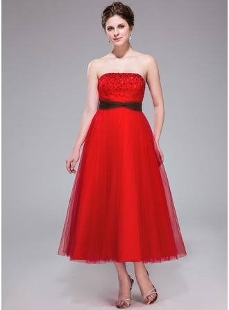 A-Line/Princess Strapless Tea-Length Tulle Homecoming Dress With Ruffle Sash Beading