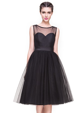 A-Line/Princess Scoop Neck Knee-Length Tulle Cocktail Dress With Bow(s)
