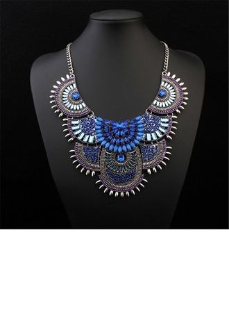Unique Alloy Resin Acrylic Ladies' Fashion Necklace