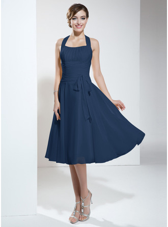 A-Line Halter Knee-Length Chiffon Homecoming Dress With Ruffle Bow(s)