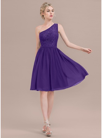 A-Line/Princess One-Shoulder Knee-Length Chiffon Lace Cocktail Dress