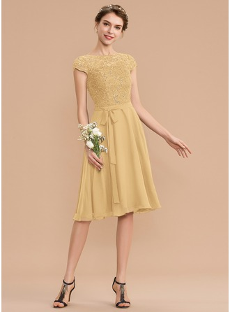 A-Line Scoop Neck Knee-Length Chiffon Lace Homecoming Dress With Sequins Bow(s)