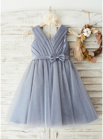 A-Line/Princess Knee-length Flower Girl Dress - Satin/Tulle Sleeveless Scoop Neck With Bow(s)/Split Front