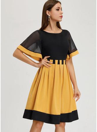 A-Line Scoop Neck Knee-Length Cocktail Dress