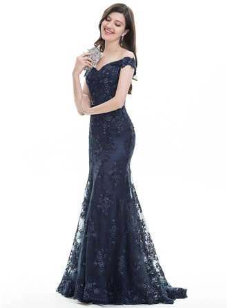 Trumpet/Mermaid Off-the-Shoulder Sweep Train Lace Prom Dress With Sequins