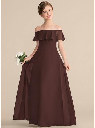 A-linjainen/Prinsessa Off--Shoulder Lattiaa hipova pituus Sifonki Nuorten morsiusneito mekko jossa Laskeutuva röyhelö