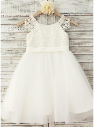 A-Line/Princess Scoop Neck Knee-Length Tulle Junior Bridesmaid Dress