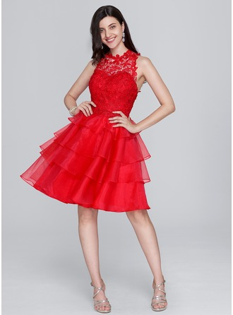 A-Line/Princess Scoop Neck Knee-Length Organza Homecoming Dress