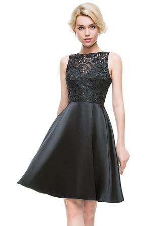A-Line/Princess Scoop Neck Knee-Length Charmeuse Homecoming Dress