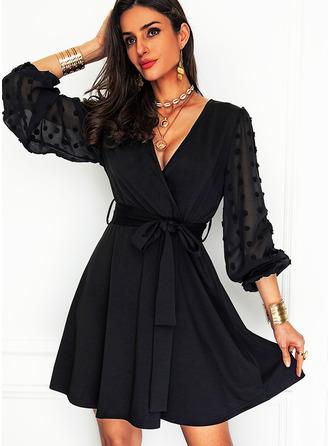 Jednolity Sukienka Trapezowa Długie rękawy Mini Mała czarna Impreza Łyżwiaż Modne Suknie