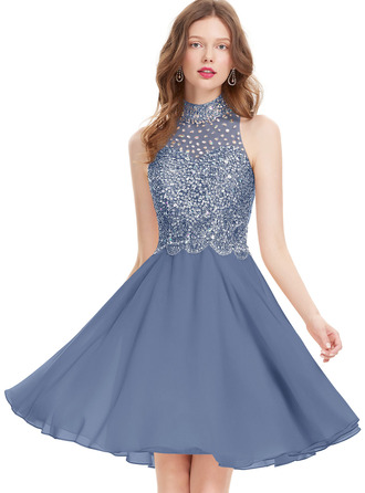 A-Line Scoop Neck Knee-Length Chiffon Homecoming Dress With Beading Sequins