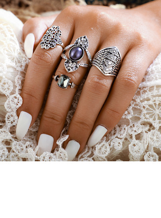 Unique Alloy Women's Fashion Rings (Set of 4)