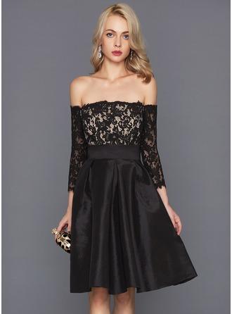 A-Line/Princess Off-the-Shoulder Knee-Length Taffeta Cocktail Dress