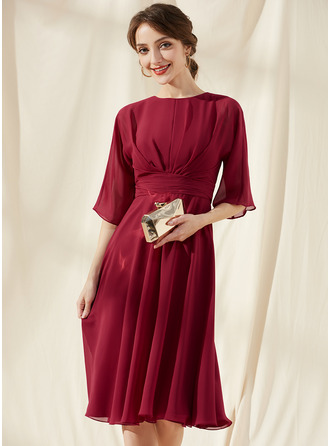 A-Line Scoop Neck Knee-Length Chiffon Cocktail Dress With Ruffle Bow(s)
