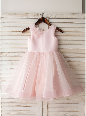 A-Line/Princess Knee-length Flower Girl Dress - Organza Sleeveless Scoop Neck With Flower(s)