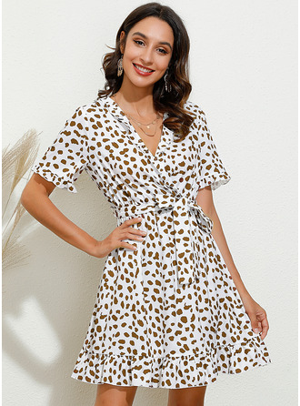 Knee Length V neck Polyester Print Short Sleeves Fashion Dresses