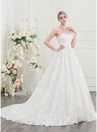 Ball-Gown Sweetheart Chapel Train Lace Wedding Dress