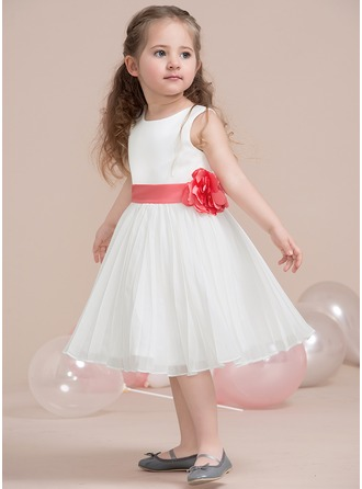 A-Line/Princess Scoop Neck Knee-Length Chiffon Junior Bridesmaid Dress With Flower(s) Bow(s) Pleated