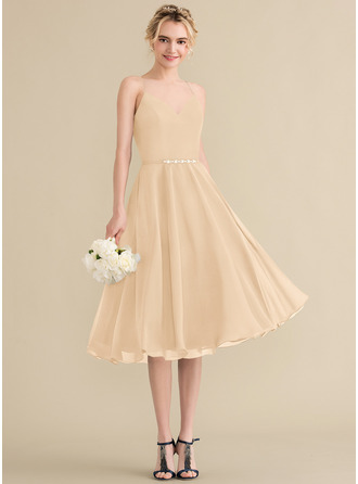 A-Line V-neck Knee-Length Chiffon Homecoming Dress With Beading