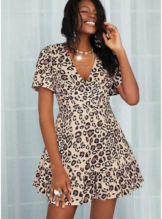 lampart Sukienka Trapezowa Krótkie rękawy Mini Nieformalny Modne Suknie