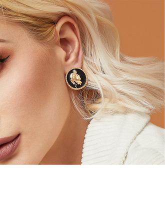 Chic Alloy Women's Fashion Earrings