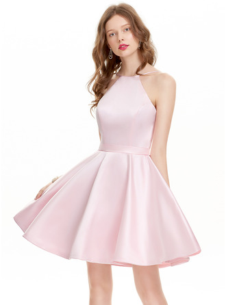 A-Line/Princess Scoop Neck Short/Mini Satin Homecoming Dress