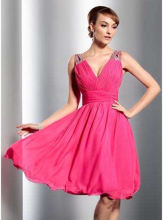 A-Line/Princess V-neck Knee-Length Chiffon Homecoming Dress With Ruffle Beading Sequins