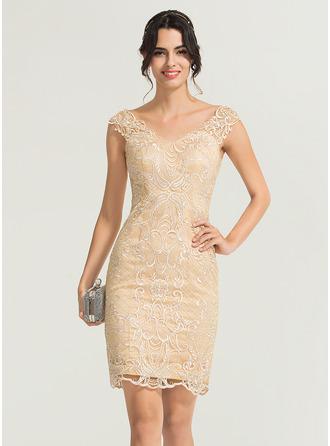 Платье-чехол V-образный Длина до колен Кружева Коктейльные Платье