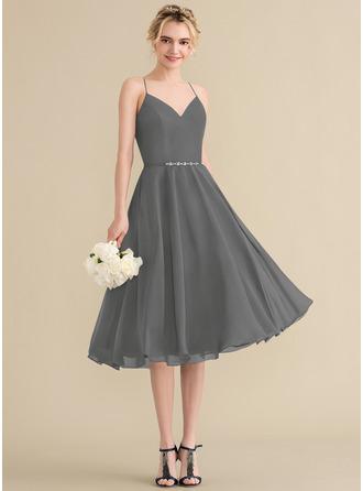 A-Line V-neck Knee-Length Chiffon Homecoming Dress With Beading