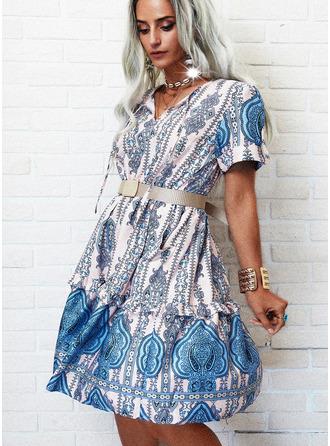 Nadruk Sukienka Trapezowa Krótkie rękawy Midi Boho Nieformalny Łyżwiaż Modne Suknie