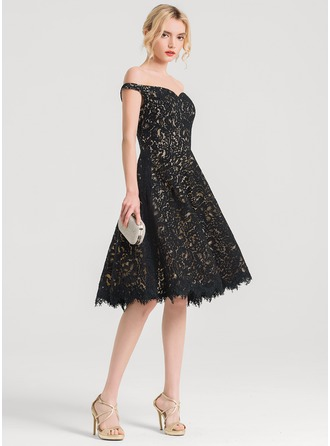 A-Formet Off-the-Shoulder Knelengde Blonder Cocktailkjole