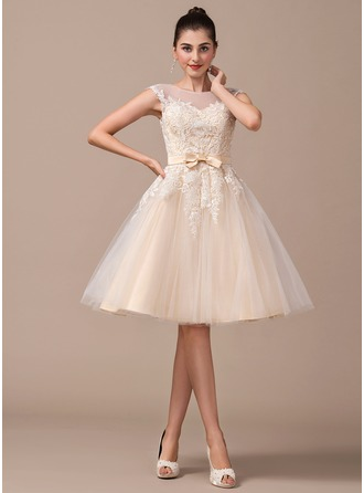 A-Line/Princess Scoop Neck Knee-Length Tulle Wedding Dress With Bow(s)