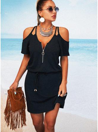 Couleur Unie Robe trapèze Manches Courtes Mini Petites Robes Noires Décontractée Vacances Patineur Robes tendance