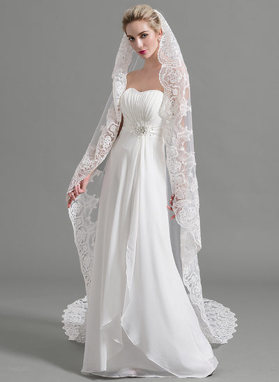 One-tier Lace Applique Edge Cathedral Bridal Veils With Applique