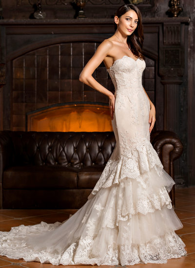 Trumpet/Mermaid Sweetheart Chapel Train Tulle Lace Wedding Dress With Cascading Ruffles