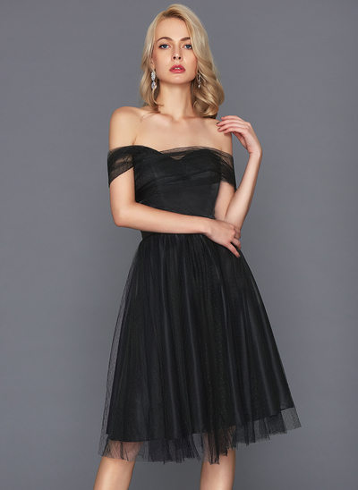 A-formet/Prinsesse Off-the-Shoulder Knelengde Tyll Cocktailkjole
