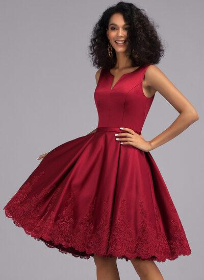 Трапеция V-образный Длина до колен Атлас Коктейльные Платье с аппликации кружева