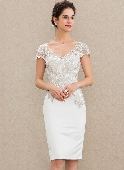 Платье-чехол V-образный Длина до колен Атлас Кружева Коктейльные Платье