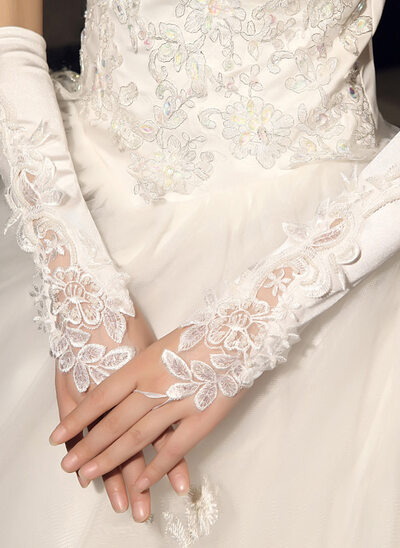 Lace Wrist Length Bridal Gloves With Embroidery