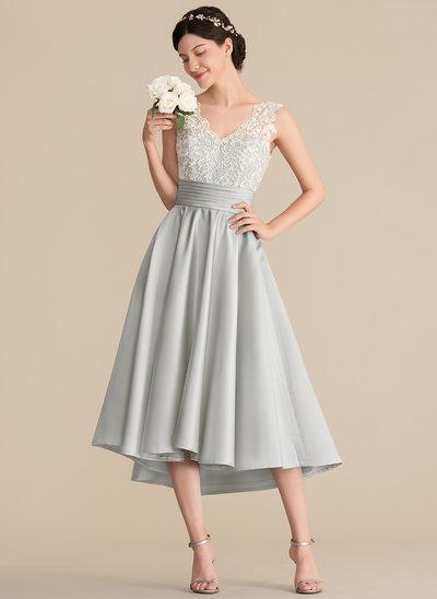Vestidos princesa/ Formato A Decote V Assimétrico Cetim Renda Vestido de madrinha com Pregueado