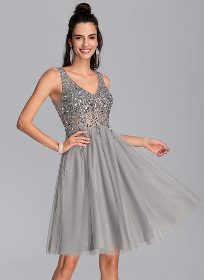 A-Line V-neck Knee-Length Tulle Cocktail Dress With Sequins