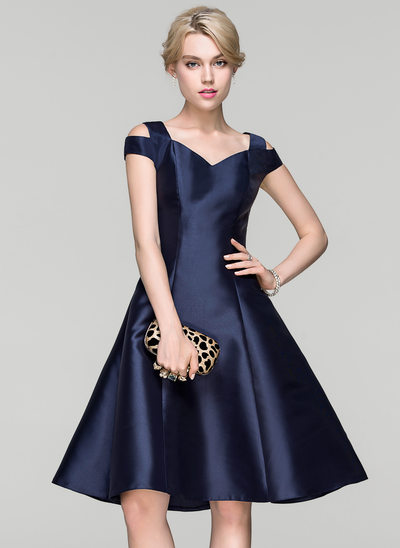 A-Line/Princess Off-the-Shoulder Knee-Length Satin Cocktail Dress