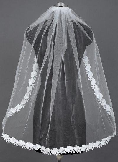 One-tier Fingertip Bridal Veils With Lace Applique Edge